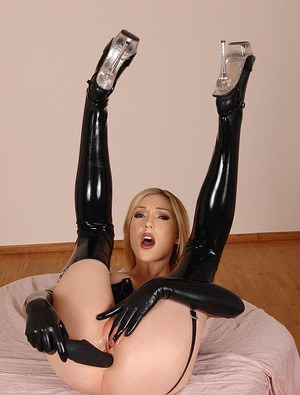 Milf Dildo Latex 47