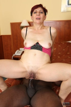 Hairy Mature Anal Porn
